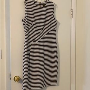 Taylor sleeveless dress size 10